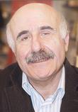 عباس بيضون